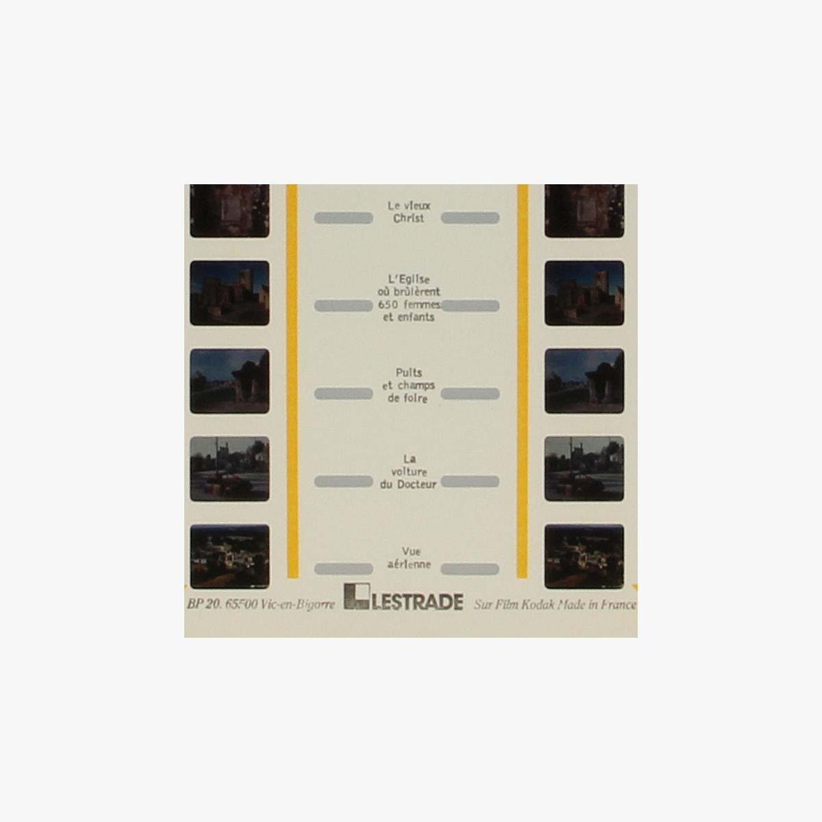 Afbeeldingen van View-Master Lestrade. Oradour-sur-Glane. Nr. 87793 en 87793b