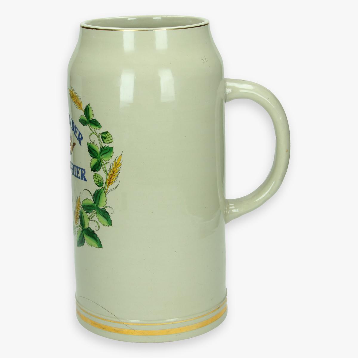 Afbeeldingen van grote bierbeker dortmunder kronen - bier