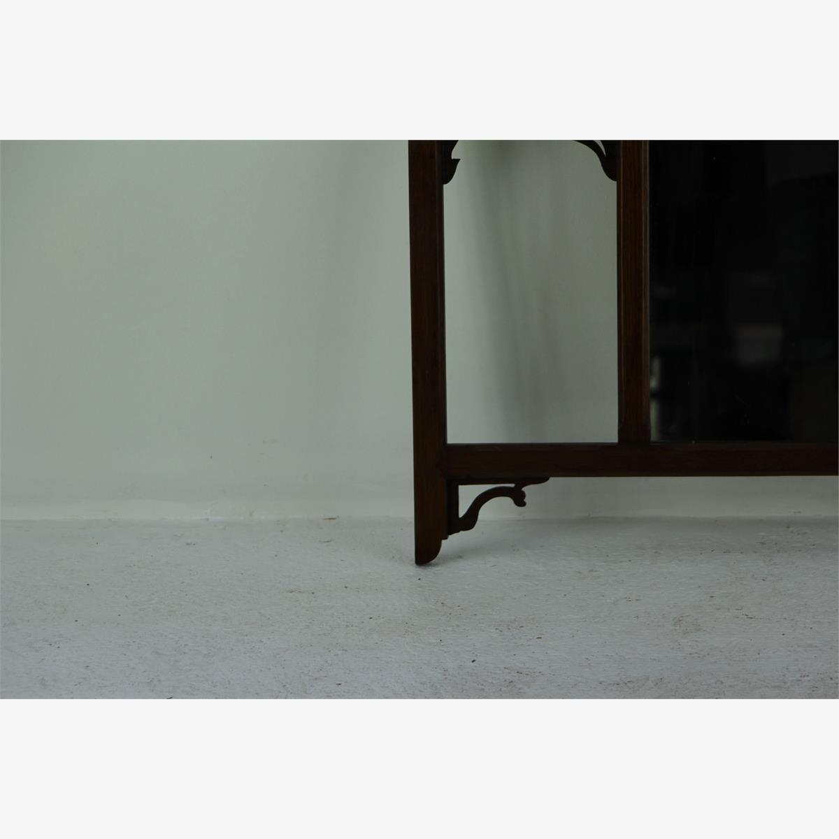 Afbeeldingen van oude kapstok met spiegel