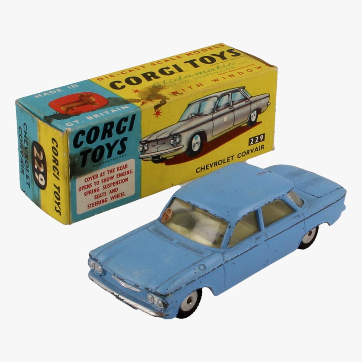 Afbeeldingen van Corgi Toys. Chevrolet Corvair. 229.