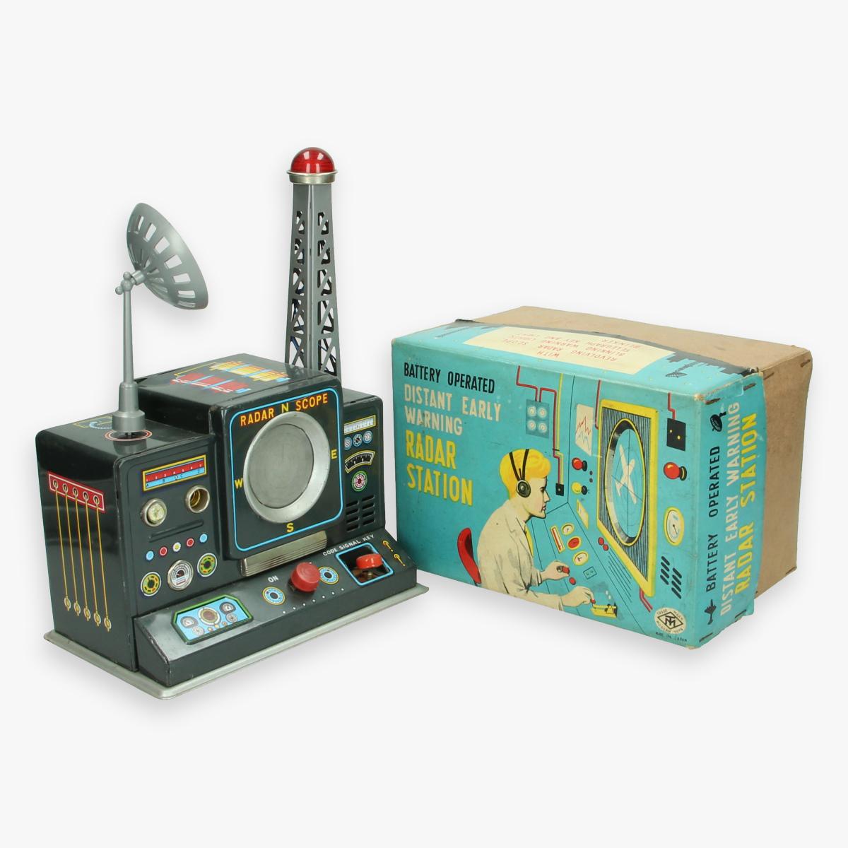 Afbeeldingen van distant early warning radar station (boxed)  jaren 50 zeldzaam in doos