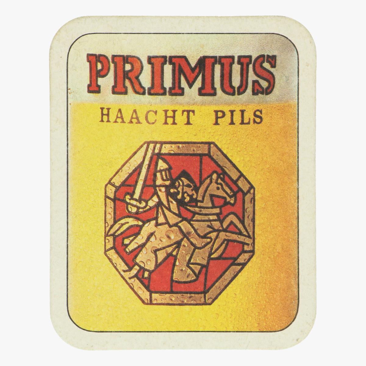 Afbeeldingen van gesigneerd bierkaartje Bruno Versavel