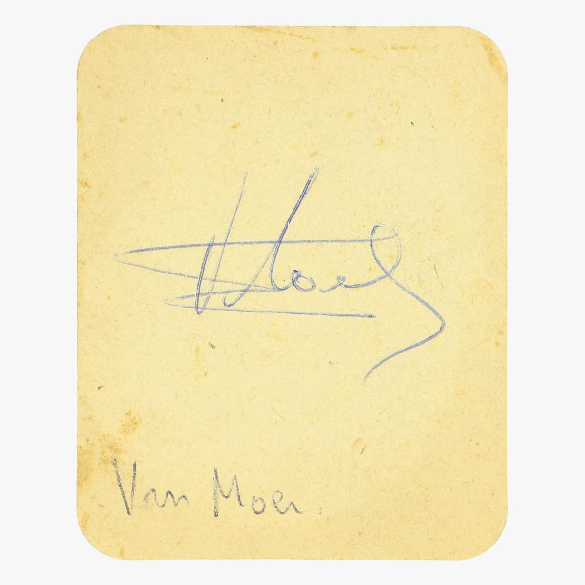 Afbeeldingen van gesigneerde stella artois bierkaartje Van Moer