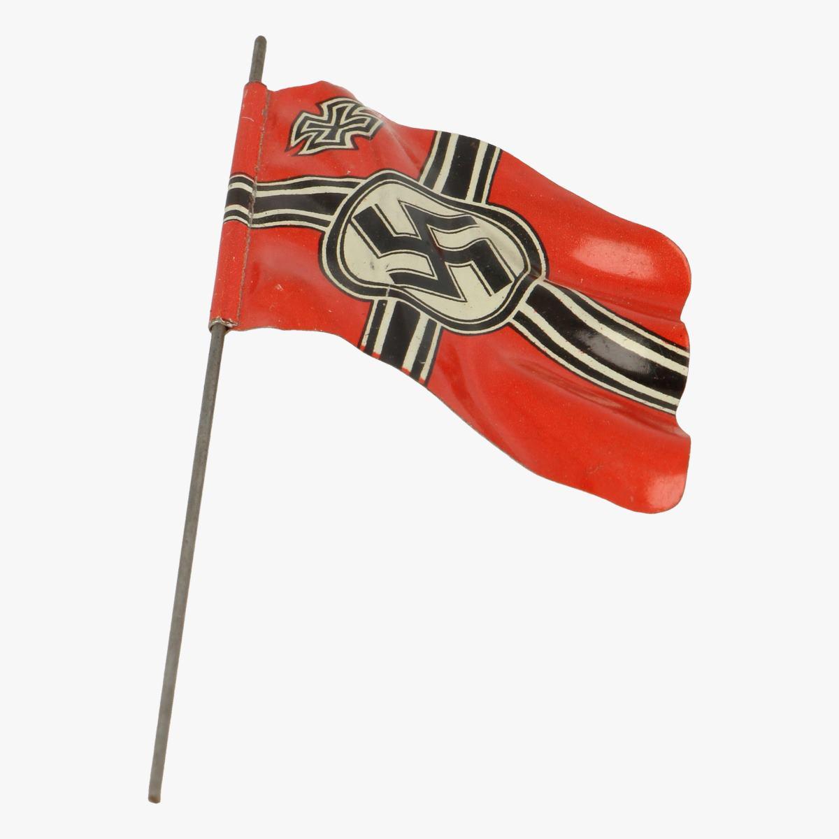 Afbeeldingen van elastolin soldaatjes vlag