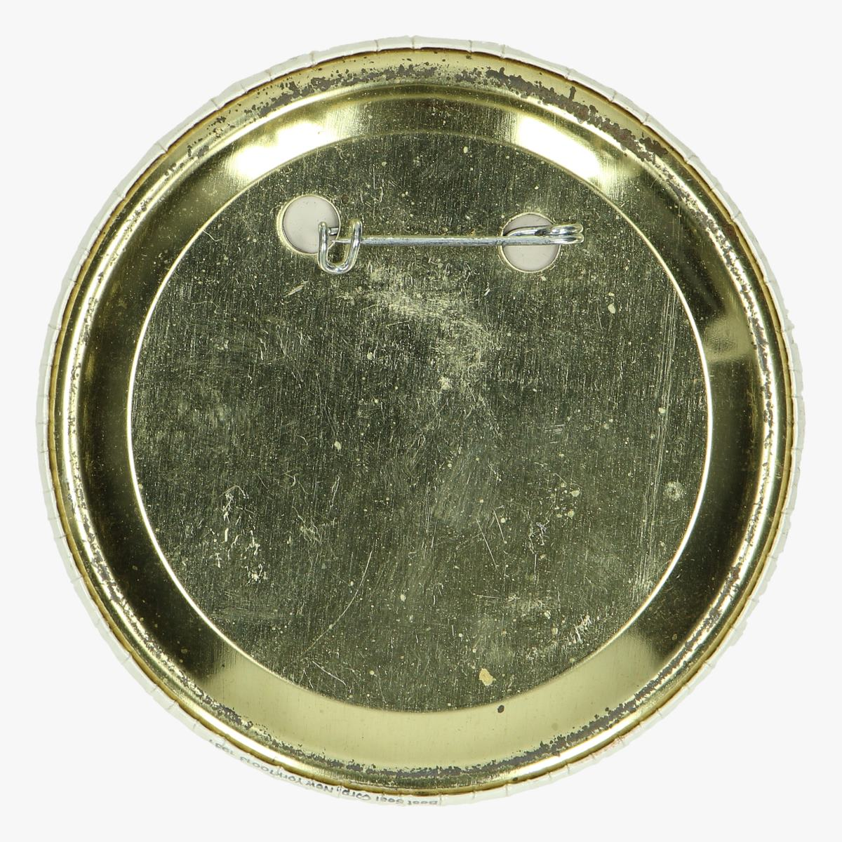 Afbeeldingen van button pins columbia engle-truly Johnson space center 1981
