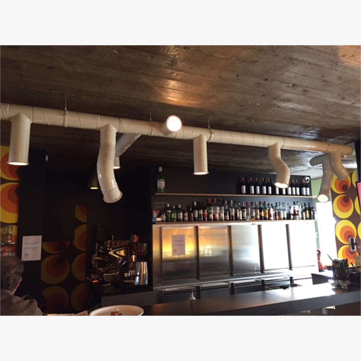 Afbeeldingen van Verlichting buizensysteem met inbouwspots lampen - 10-tallen meters lang