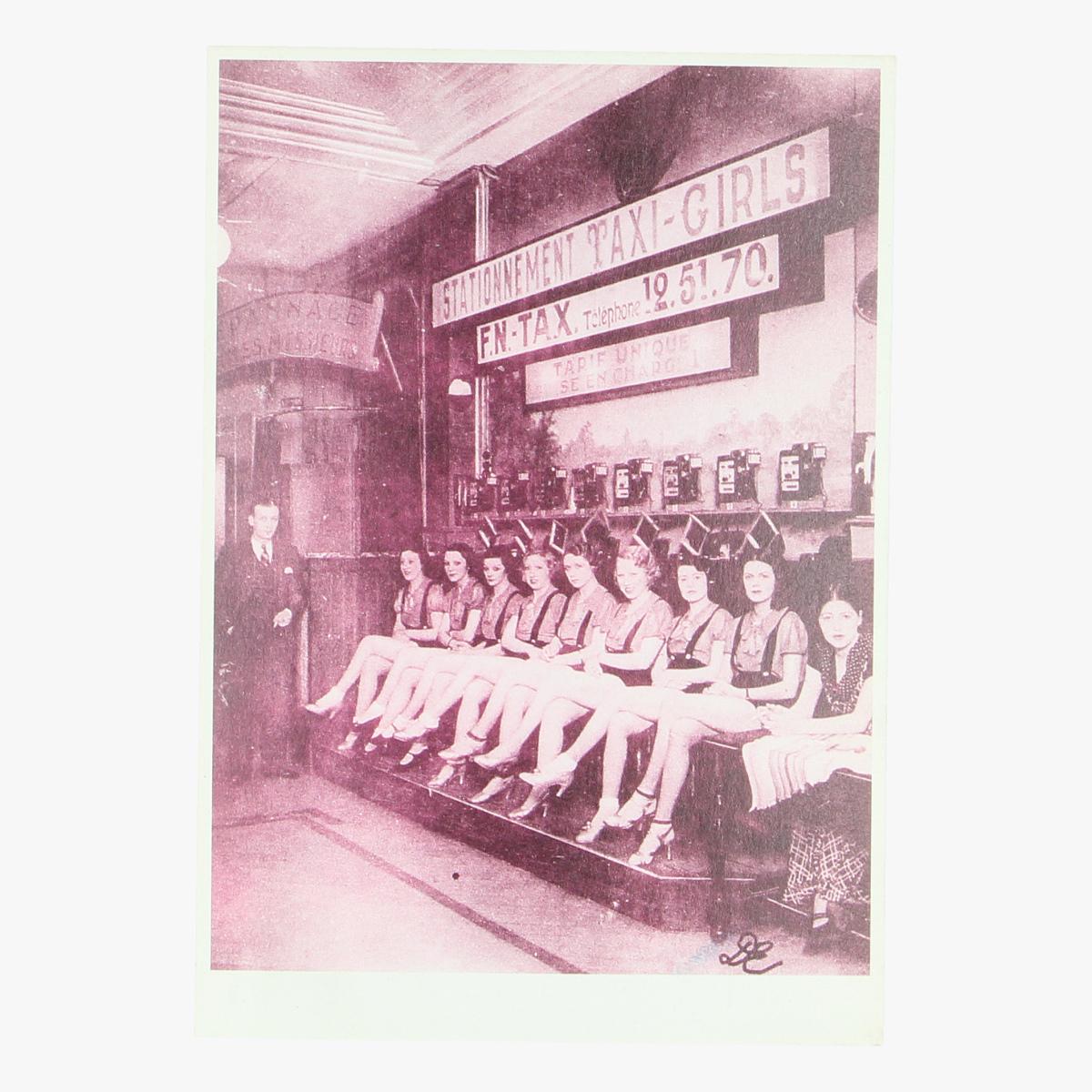 Afbeeldingen van postkaart taxi girls