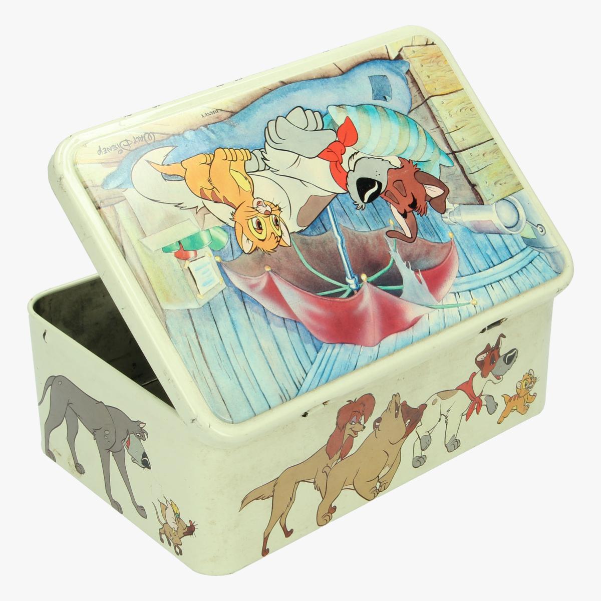 Afbeeldingen van Oliver & Company. Blikken doos Disney.