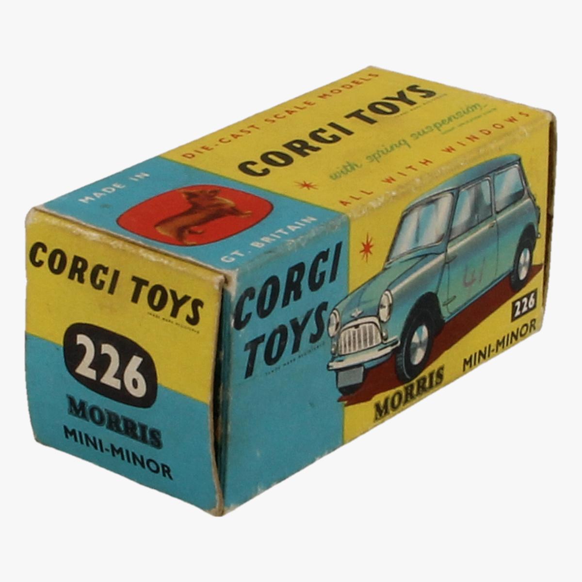 Afbeeldingen van Corgi Toys. Morris Mini - Minor 226