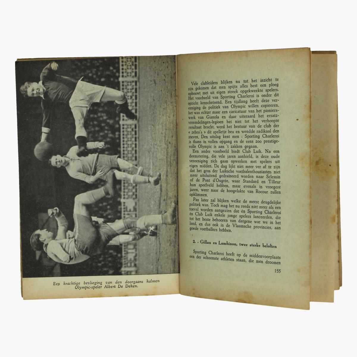 Afbeeldingen van 1943 voetballers van heden door pol jacquemyns