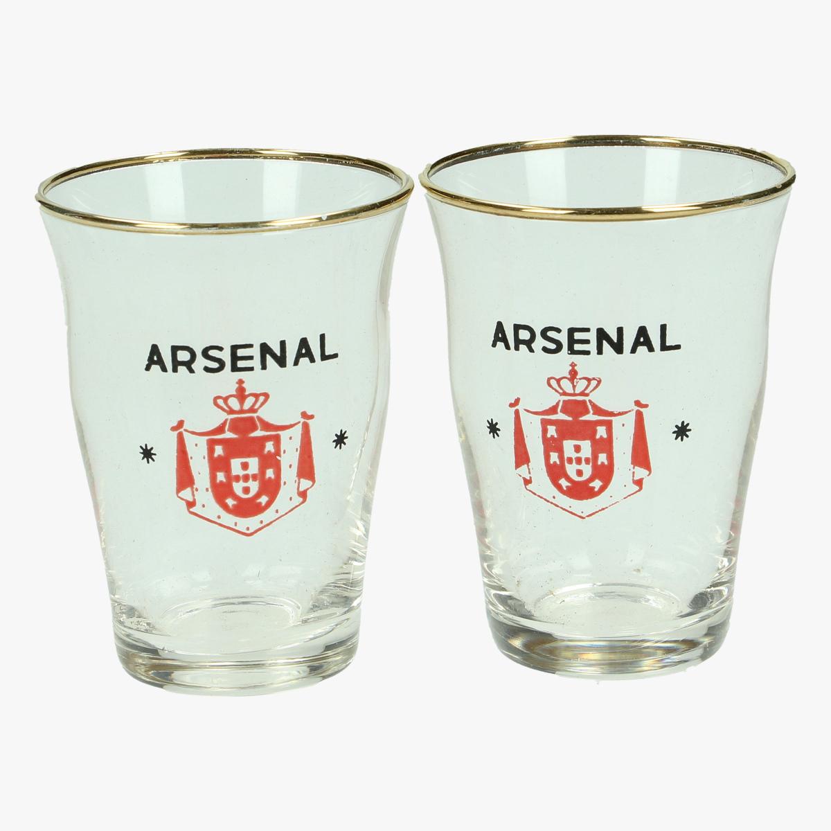 Afbeeldingen van 2 borrel glaasjes arsenal
