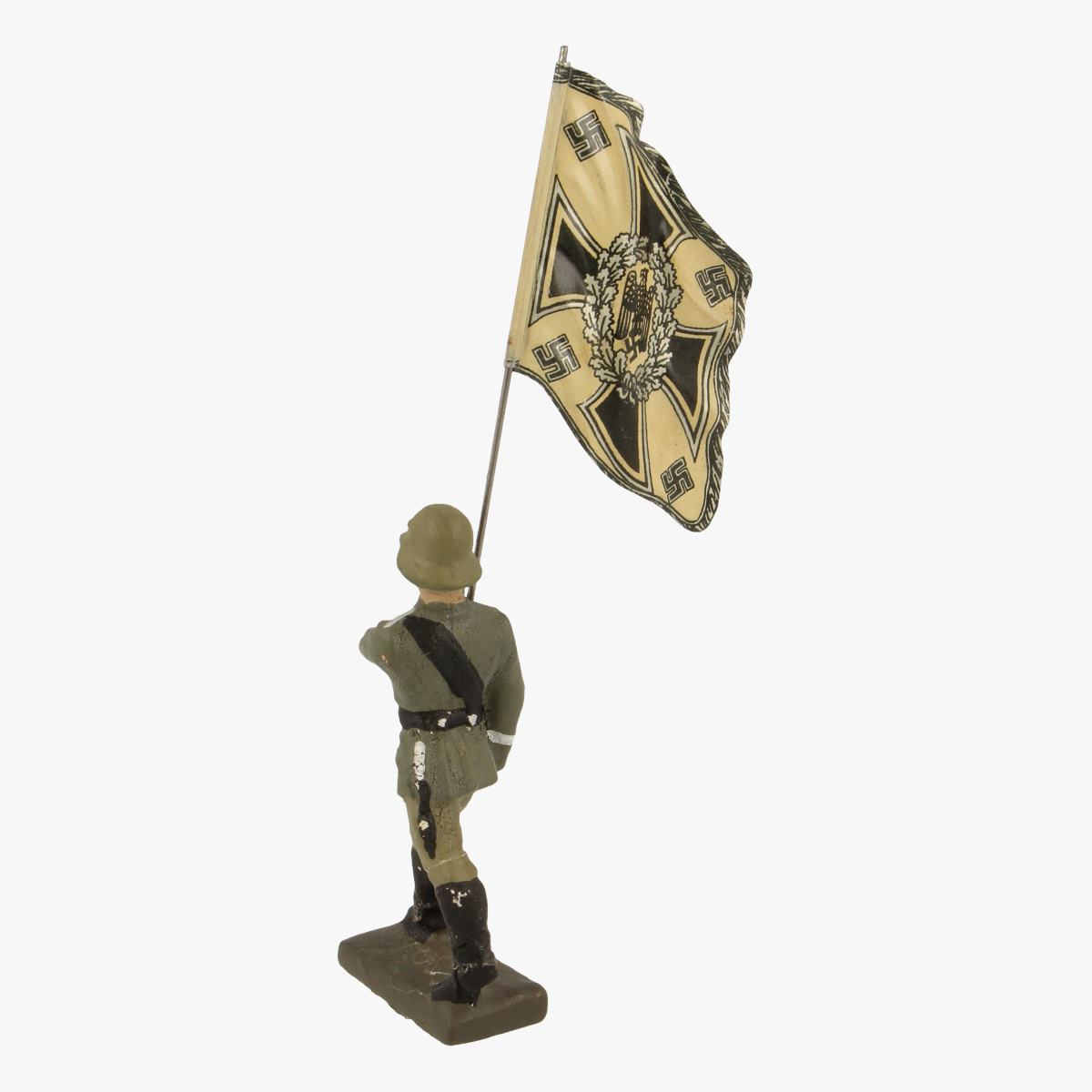 Afbeeldingen van Elastolin soldaatje met vlag