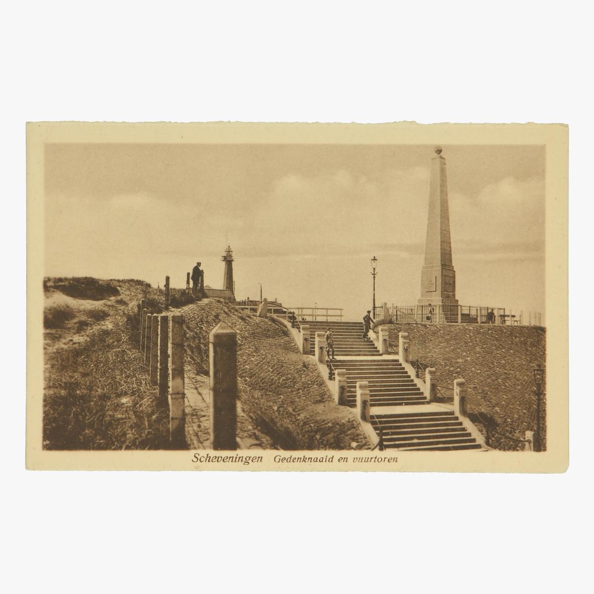 Afbeeldingen van Scheveningen Gedenknaald en vuurtoren. Postkaart Nr. 284