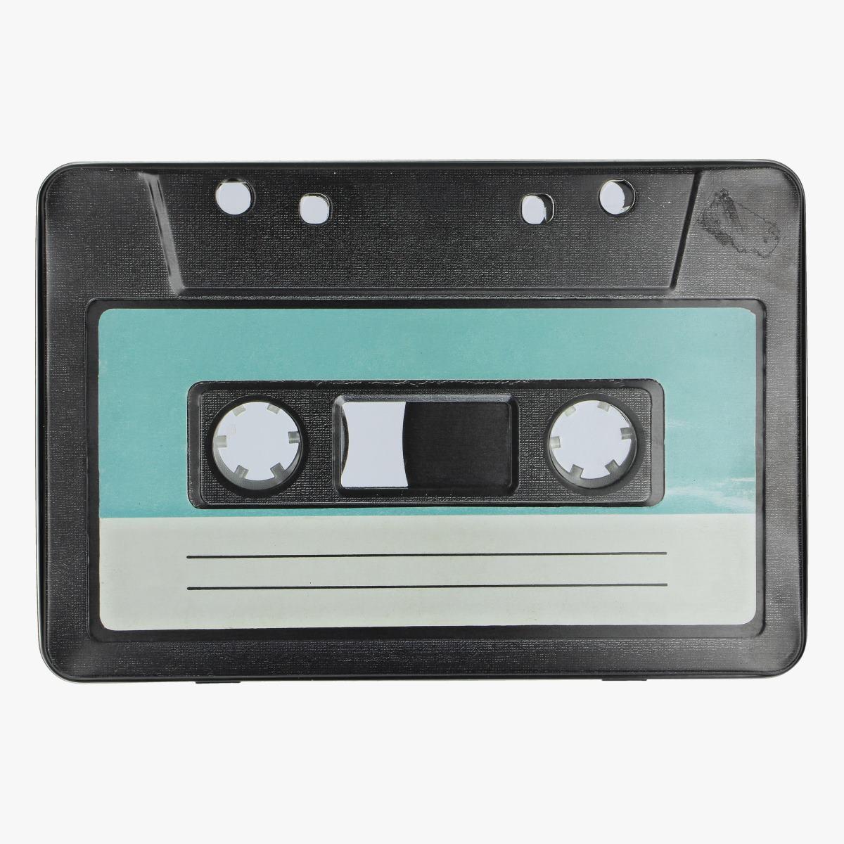Afbeeldingen van blikkenn doos cassette