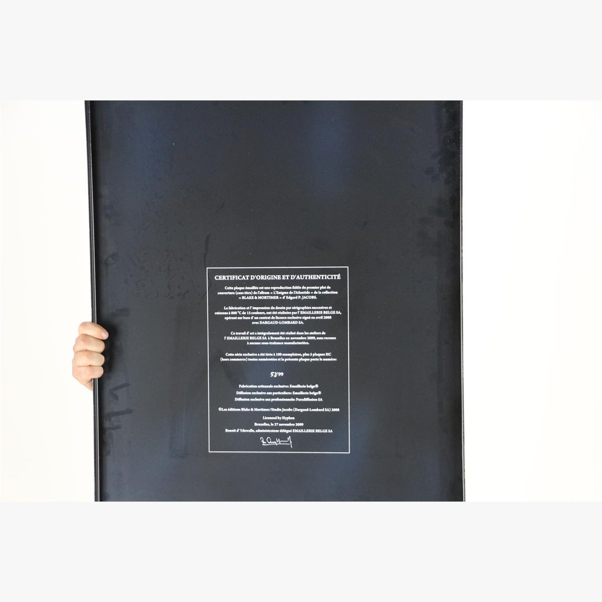 Afbeeldingen van emaille bord blake & mortimer '' het raadsel van atlantis oplage 99 nr 52 van de 99 van het jaar 2009 plaque émaillee l'enigme de l'atlantide