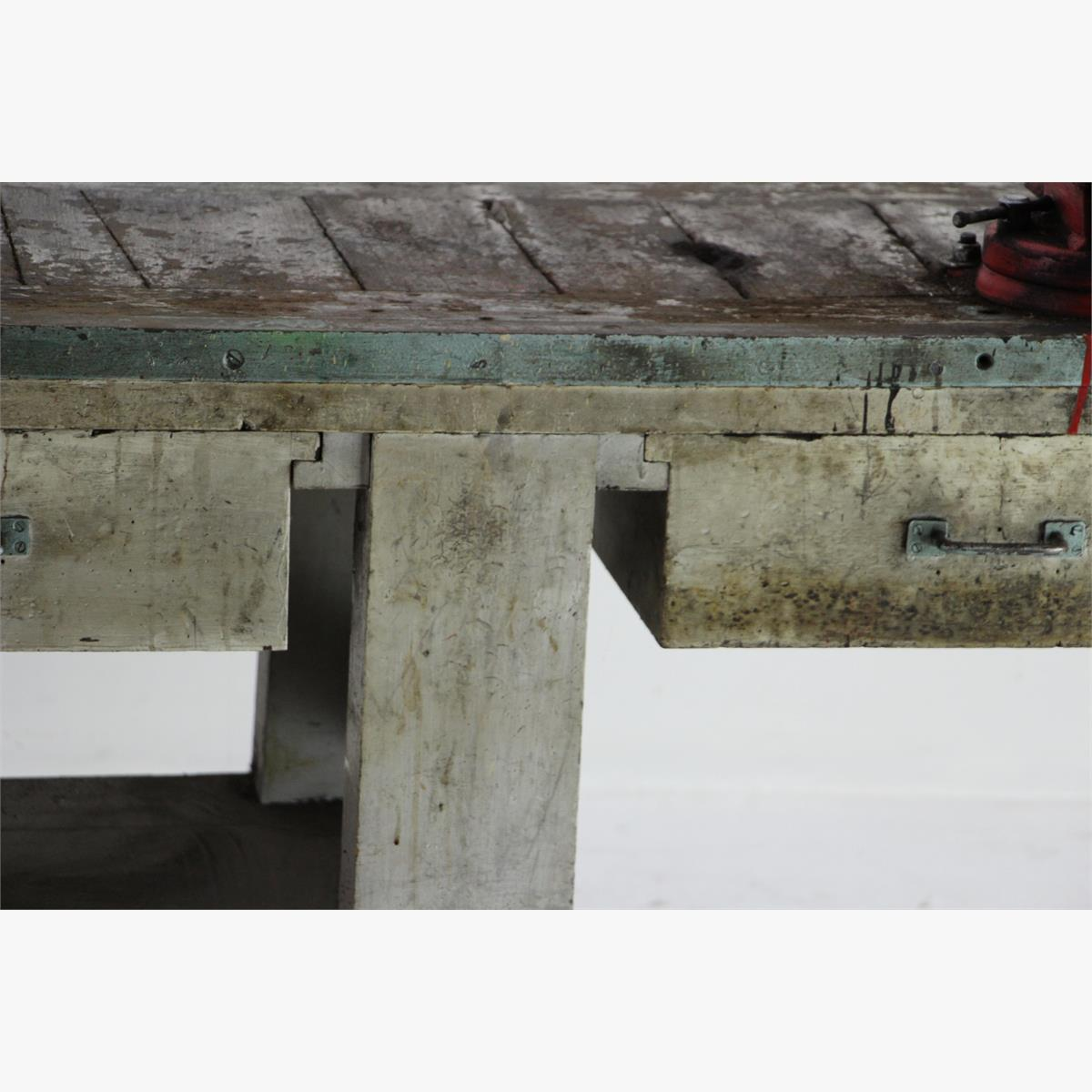 Afbeeldingen van zware industriele houten werkbank