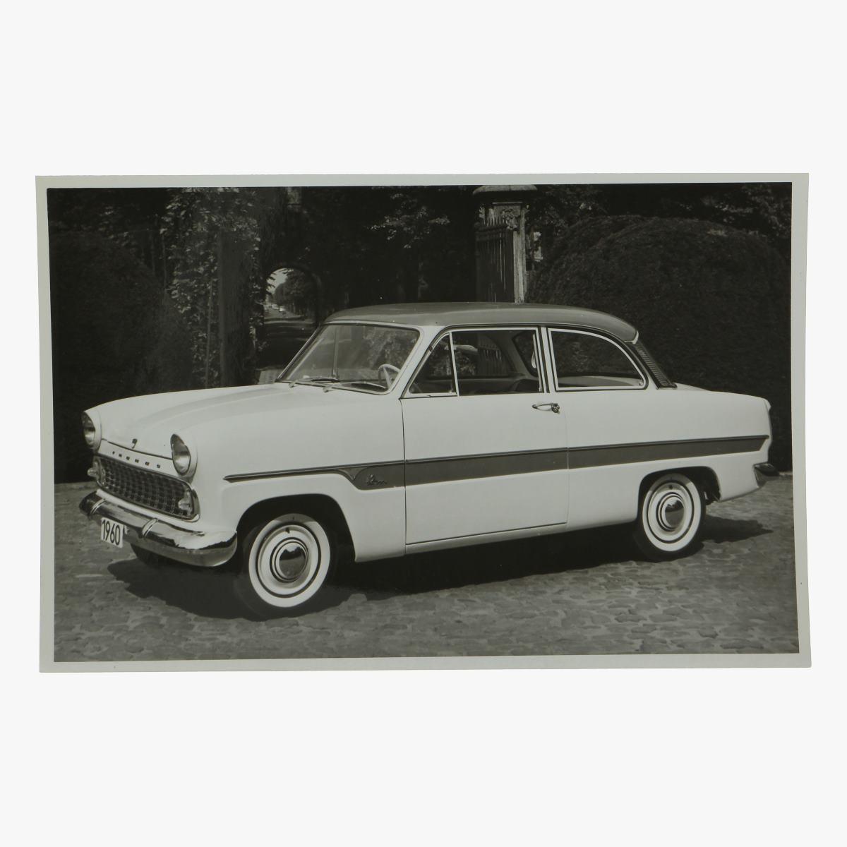 Afbeeldingen van zwart-wit foto taunus 12m