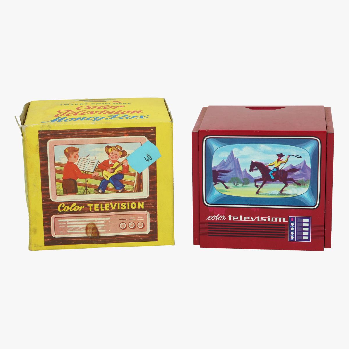 Afbeeldingen van spaarpot color television made w germany