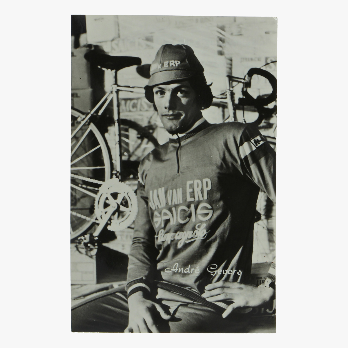 """Afbeeldingen van foto wielerploeg 1975 """"jan van erp - saicis"""""""