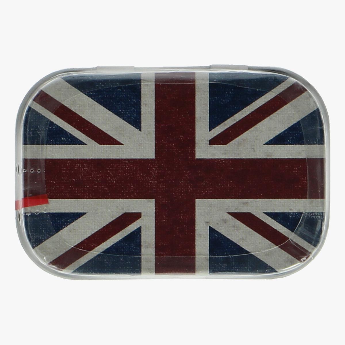 Afbeeldingen van blikken doosje mint snoepjes Engelse vlag