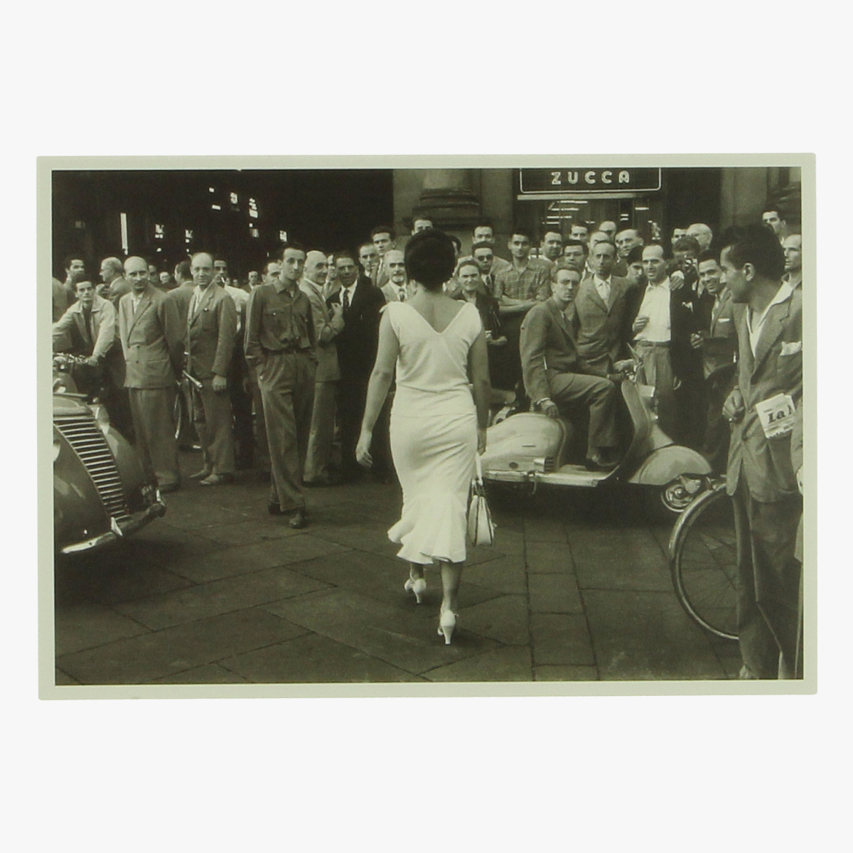 """Afbeeldingen van postkaart De Biasi """"GLI ITALIANI SI VOLTANO """"1954 REPRO"""