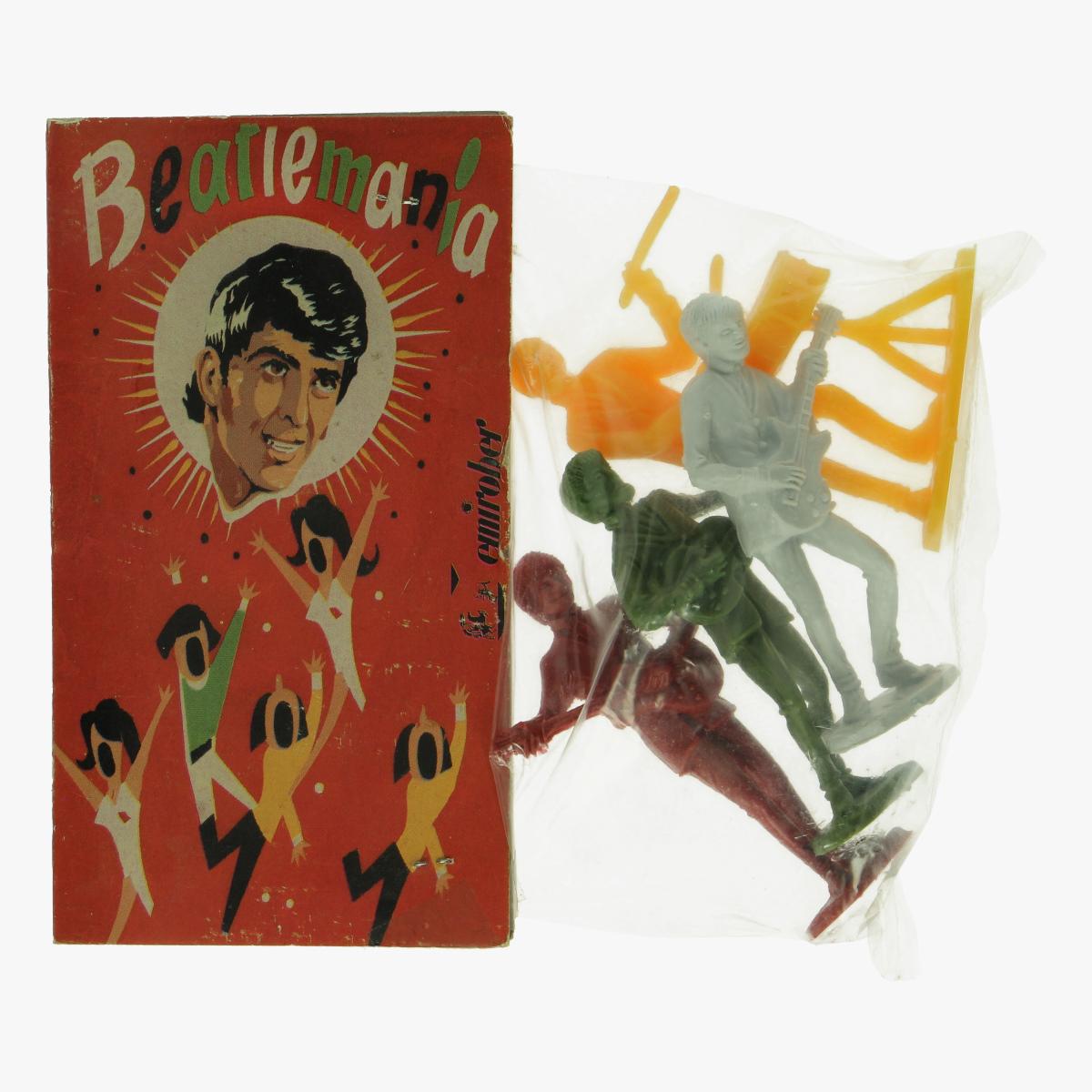 Afbeeldingen van Beatlemania. Emirober.