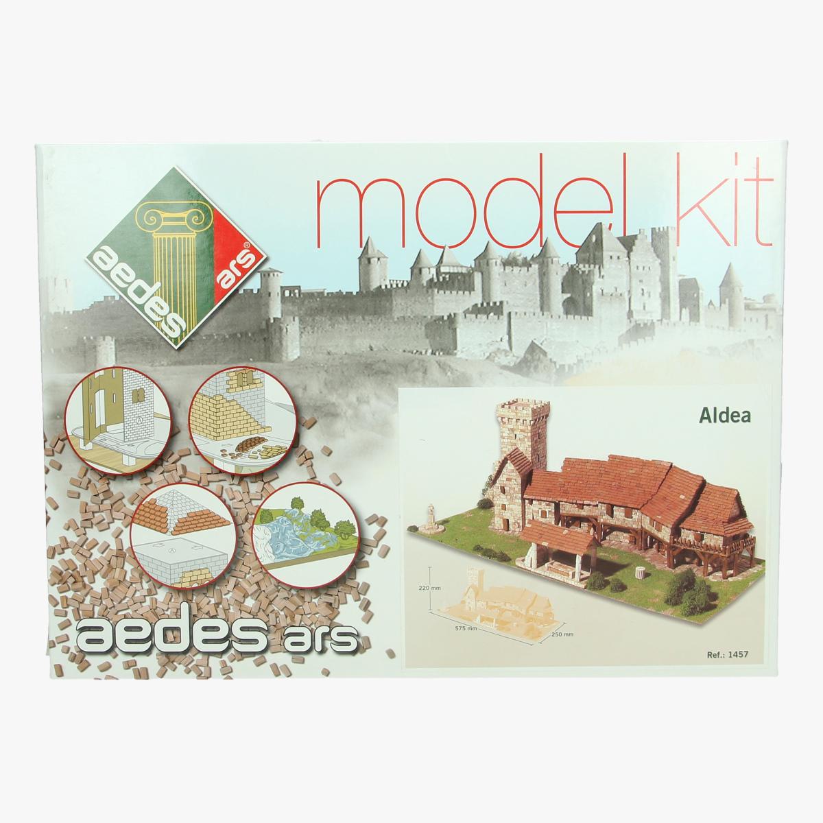 Afbeeldingen van model kit Aldea