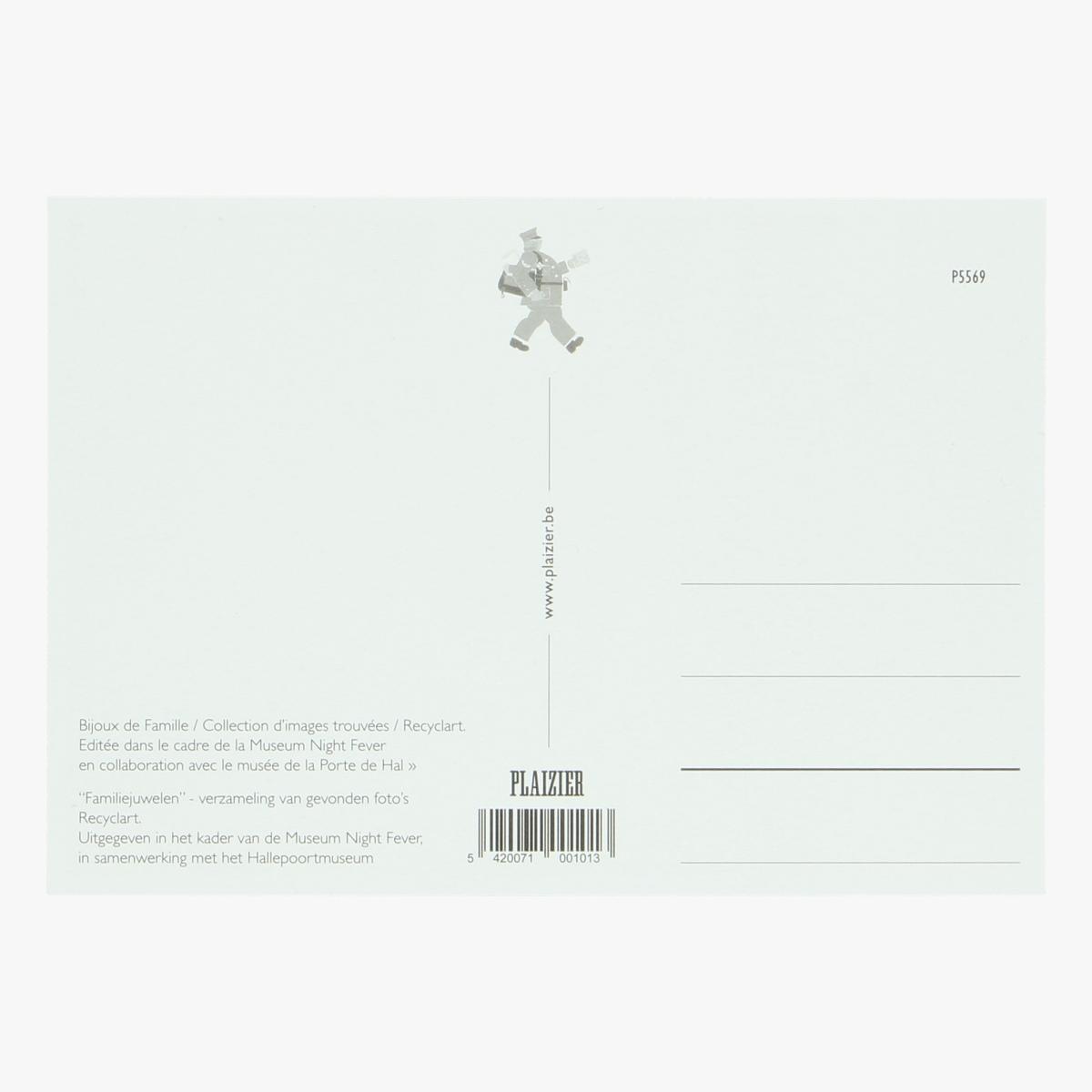 Afbeeldingen van postkaart familiejuwelen Verzameling van gevonden foto's Recyclart repro