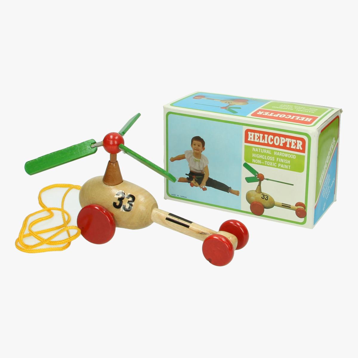 Afbeeldingen van Helicopter. Houten speelgoed.