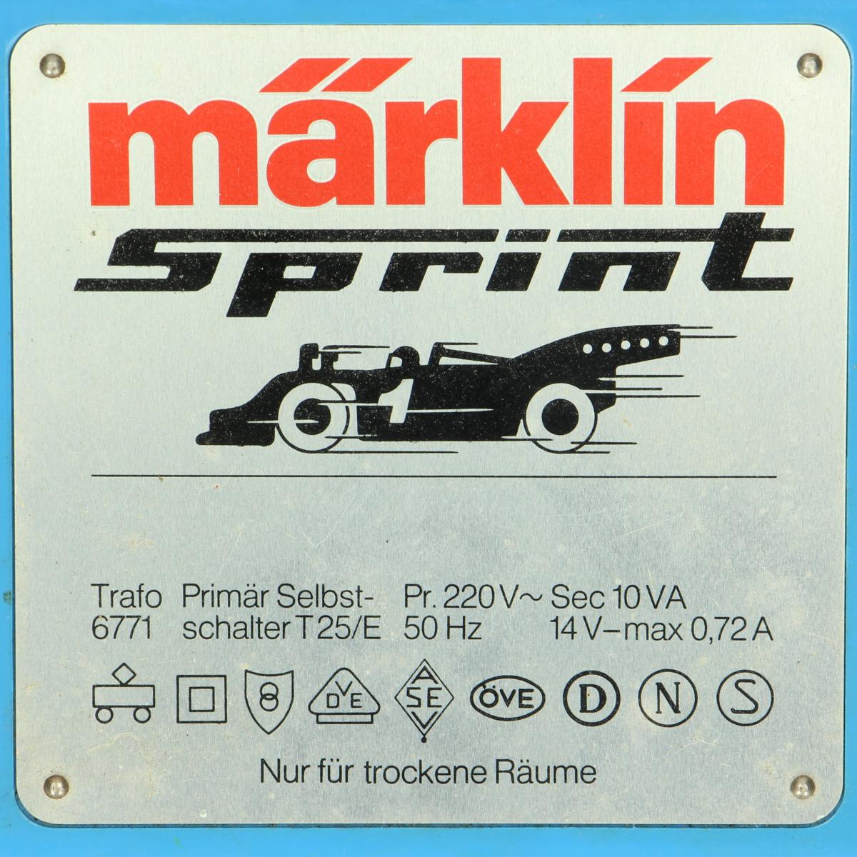 Afbeeldingen van Marklin Sprint. Transformator.Nr.6771.