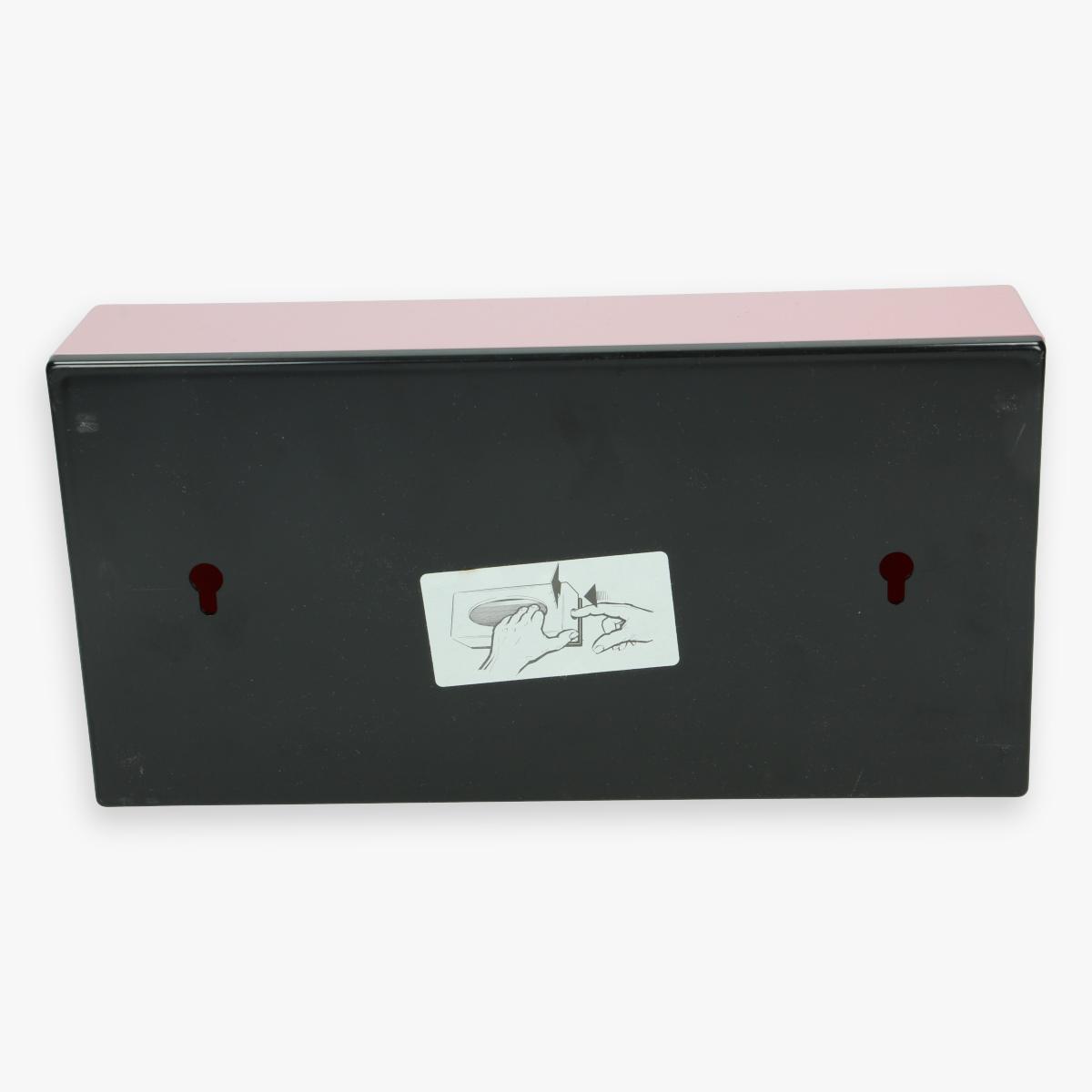 Afbeeldingen van vintage papieren zakdoekjes doos roze