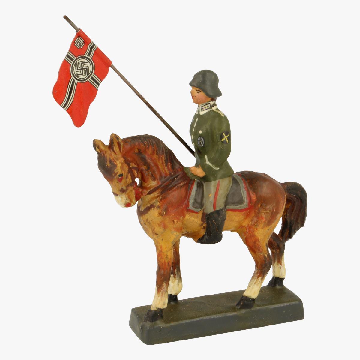 Afbeeldingen van Elastolin soldaatje op paard Leyla