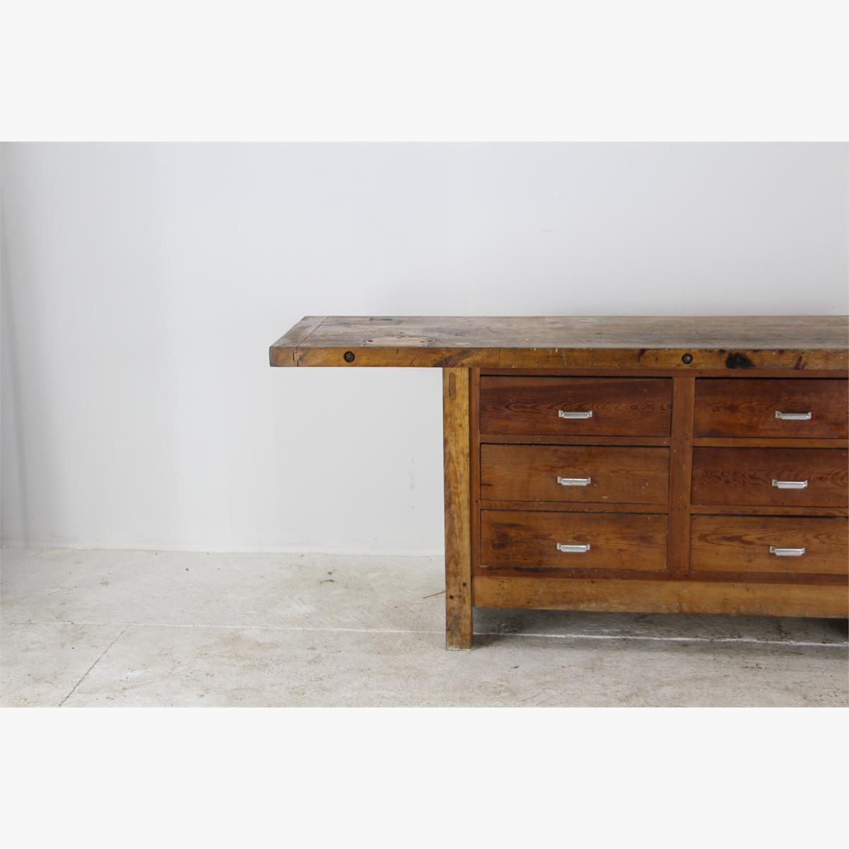 Afbeeldingen van houten werkbank met beuken bovenblad