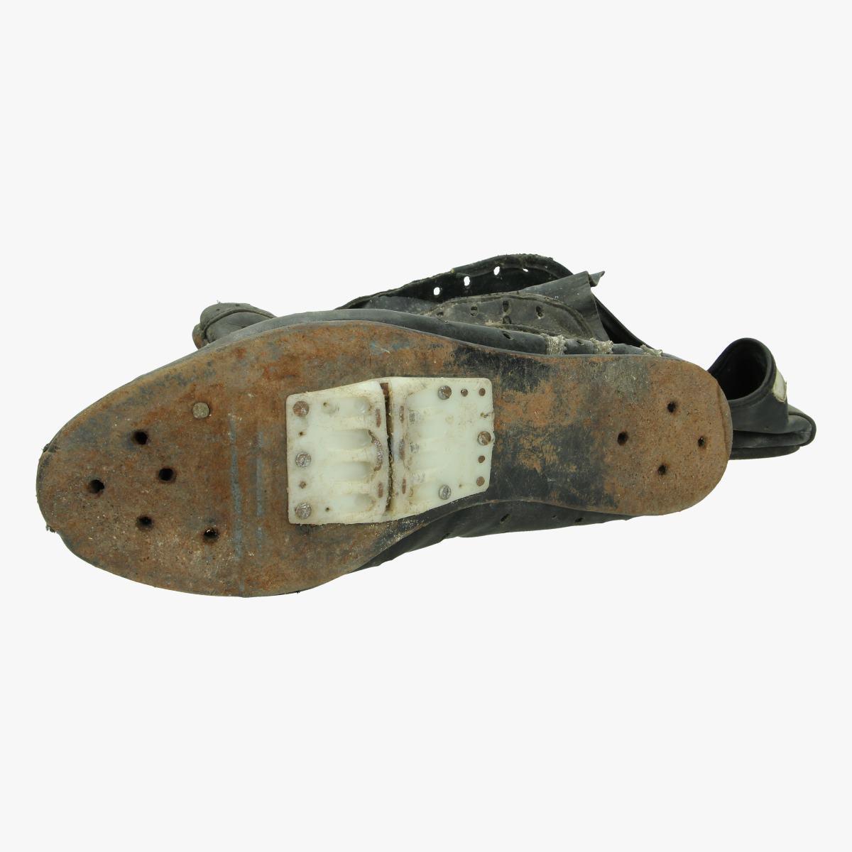 Afbeeldingen van oude wielrenners schoenen