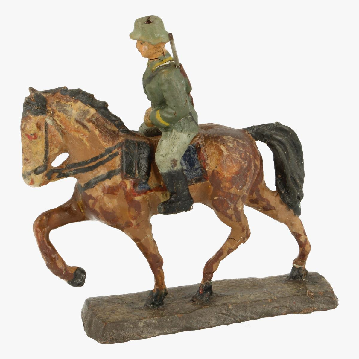 Afbeeldingen van Elastolin soldaatje met paard merk Elastolin Germany