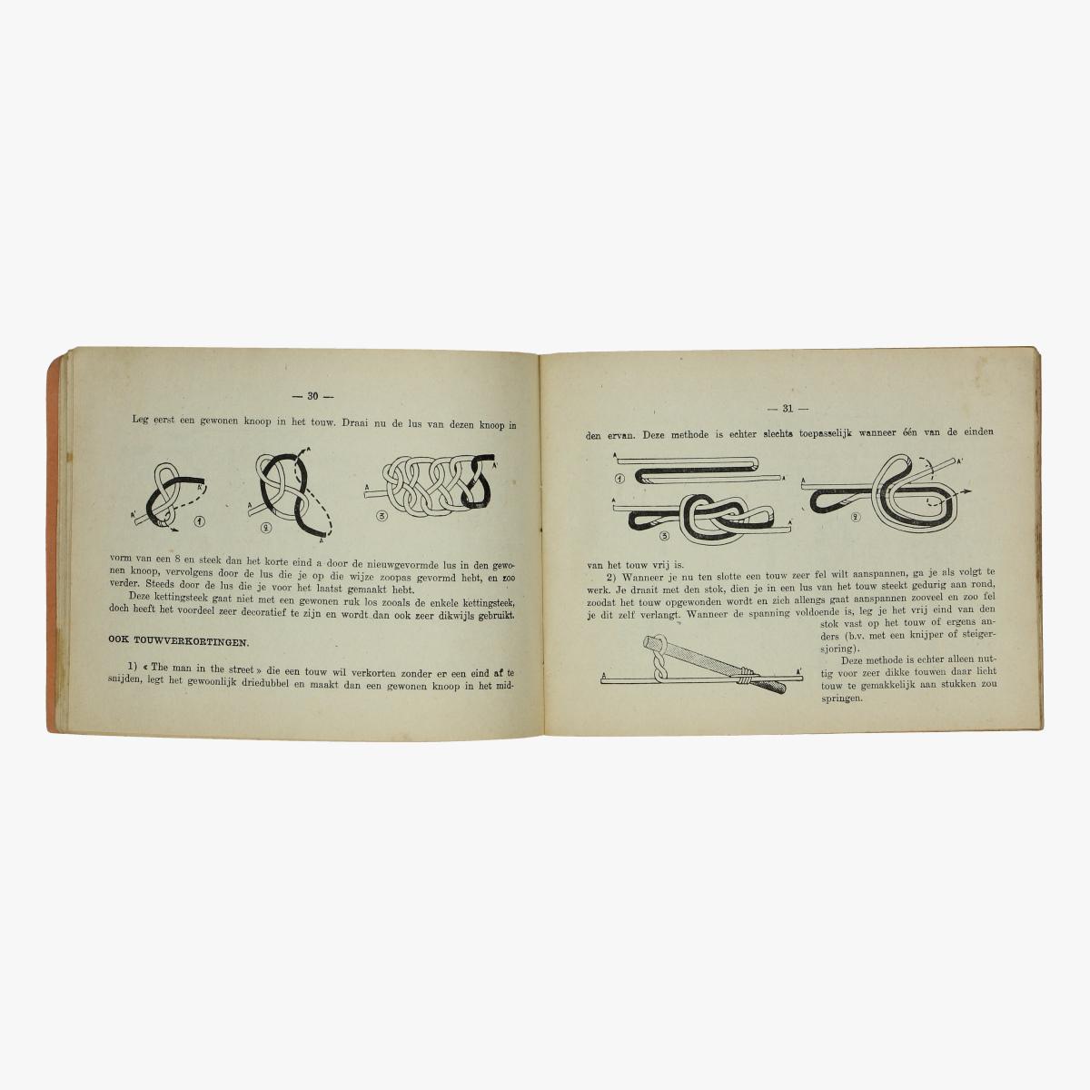 Afbeeldingen van boekje knoopen 1942
