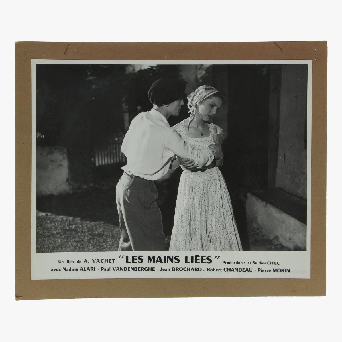 """Afbeeldingen van promo -foto's 21 stuks film A.Vachet"""" Les main liées"""" production:les studio citec"""