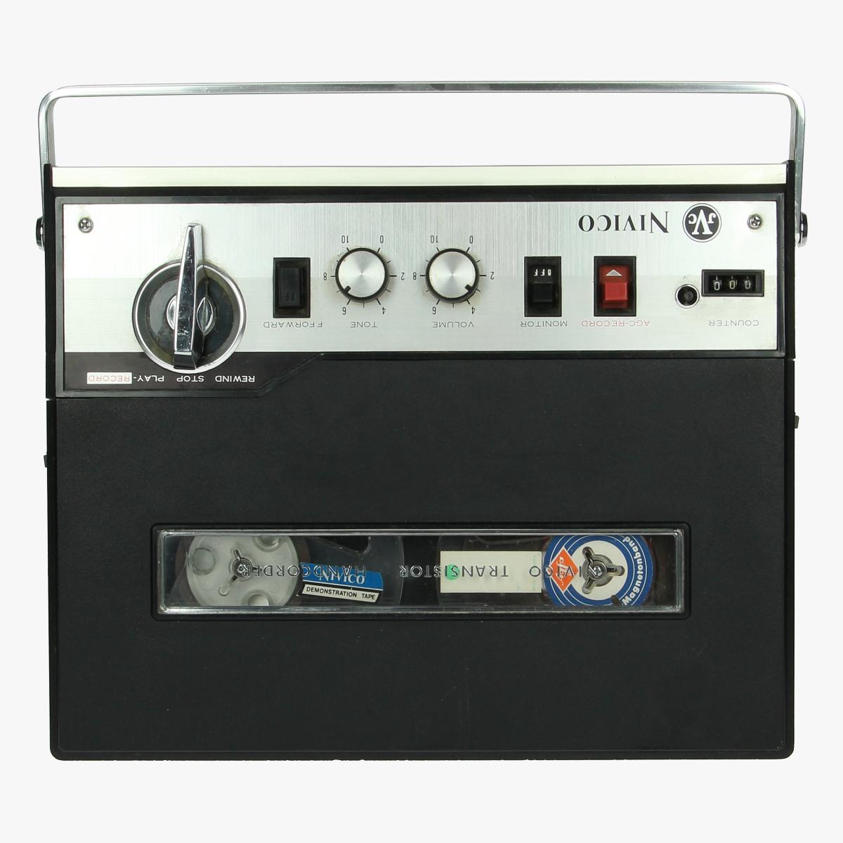 Afbeeldingen van vintage tape recorder nivico