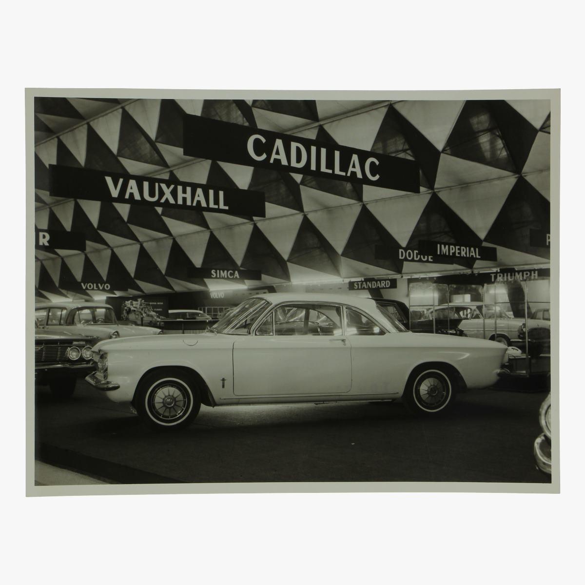 Afbeeldingen van zwart-wit foto chevrolet corvair monza 2 door club coupe