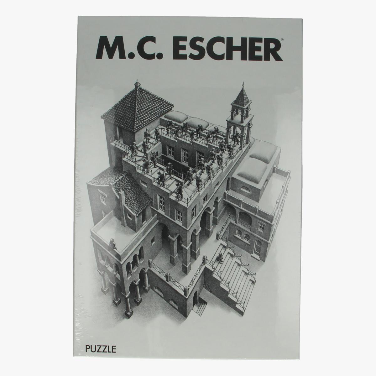 Afbeeldingen van Puzzel M.C. Escher Ascending & descending