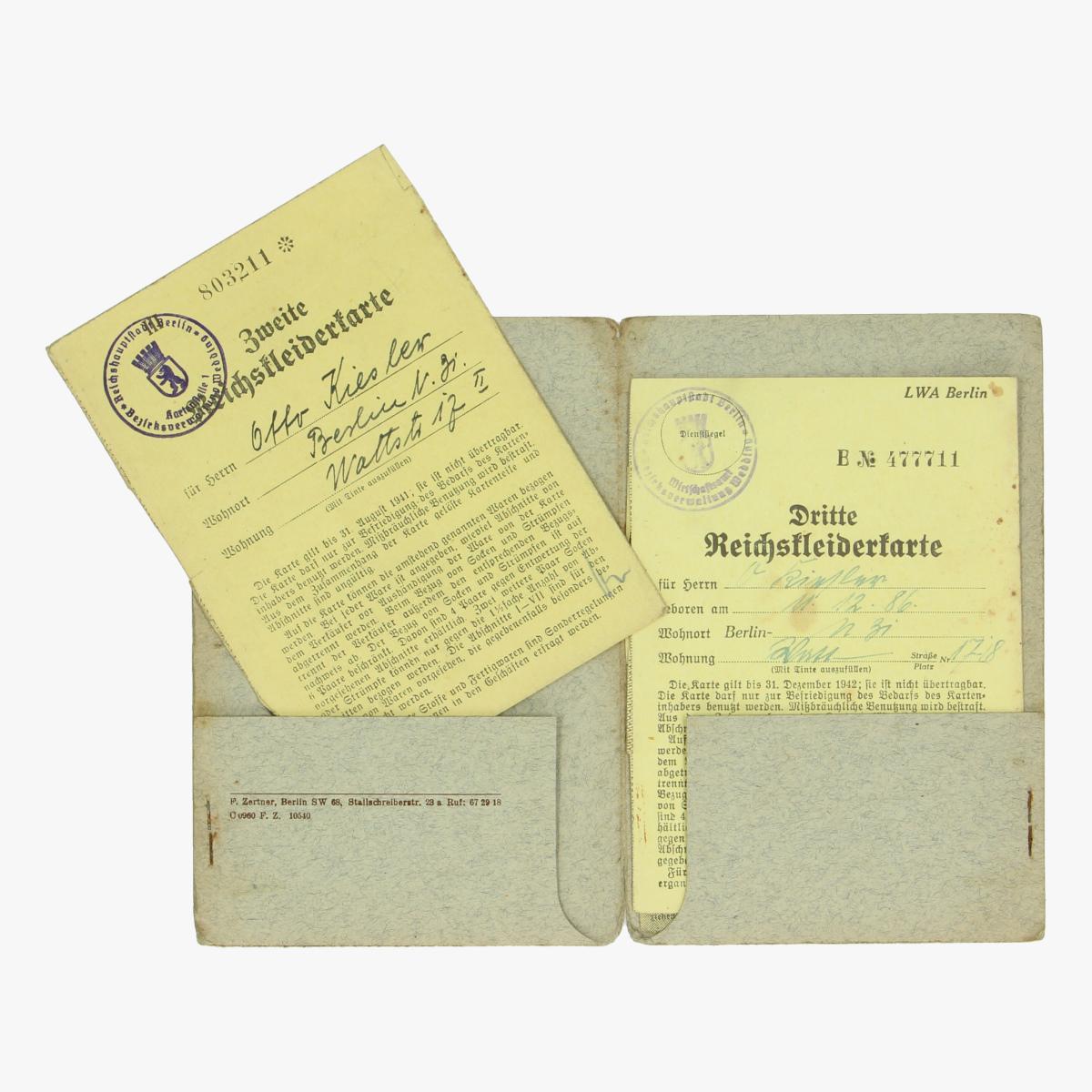 Afbeeldingen van Reichs kleiderkarte Berlin 1942