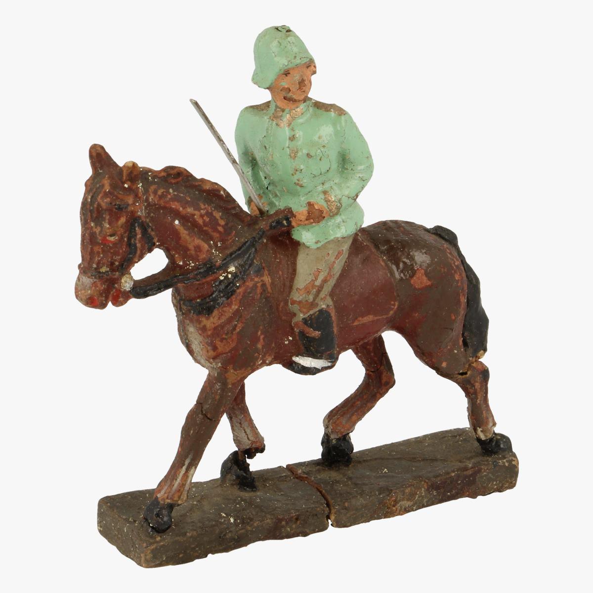 Afbeeldingen van Elastolin soldaatjes te paard Leyla