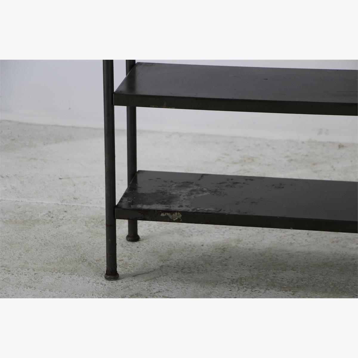 Afbeeldingen van industrielen ijzer side table