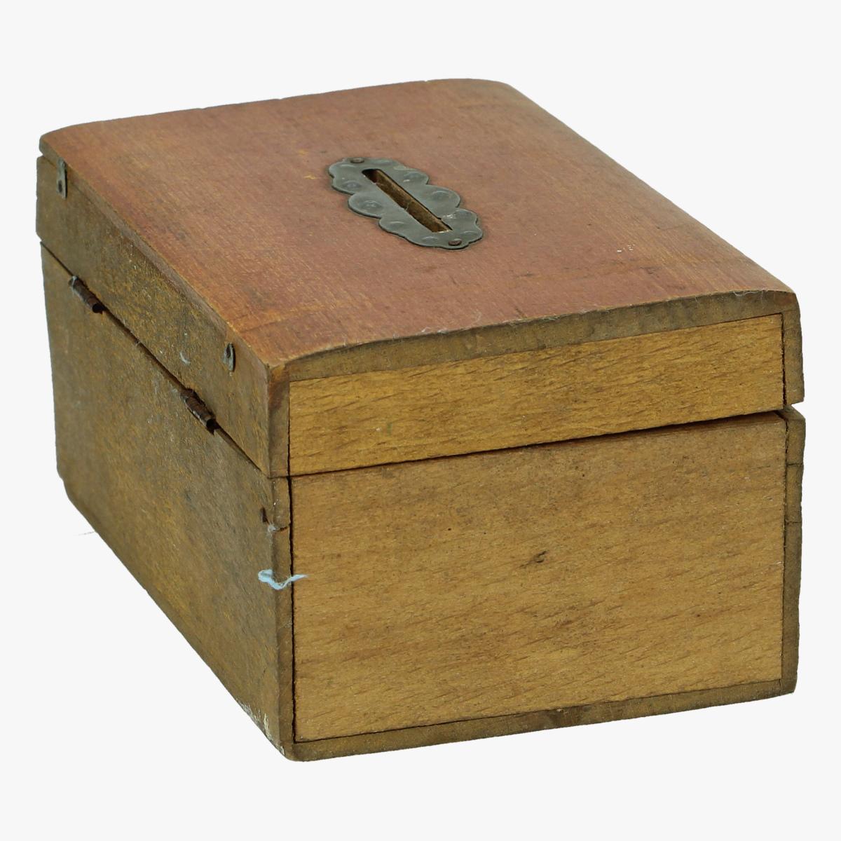 Afbeeldingen van spaardoosje hout