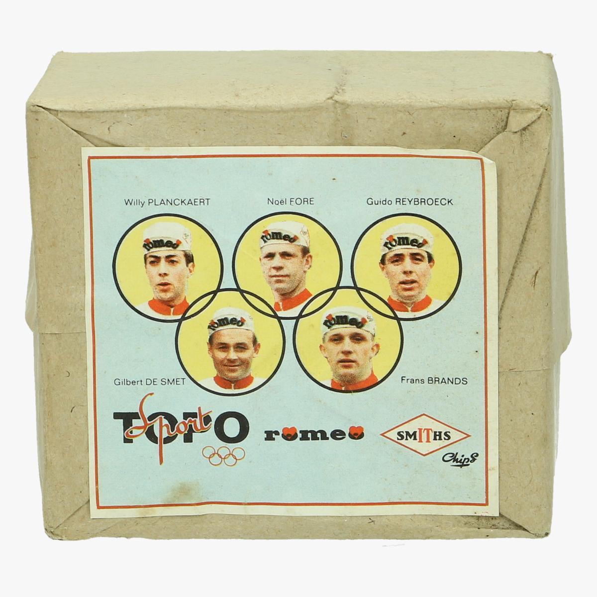 Afbeeldingen van wielrennen oude lucifer doosjes per 10 verpakt met cover oude  wielrenners