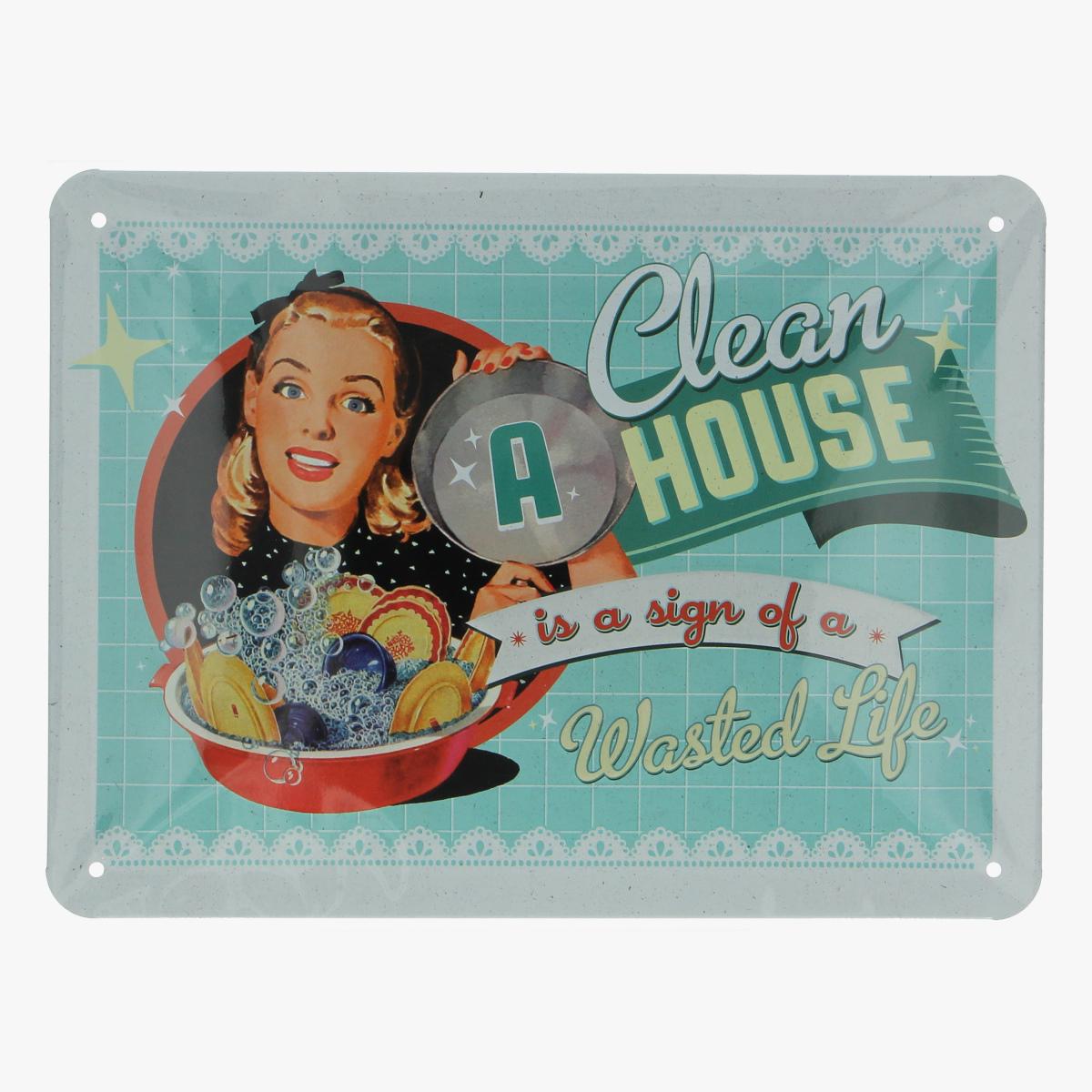 Afbeeldingen van blikken bordje clean a house repro