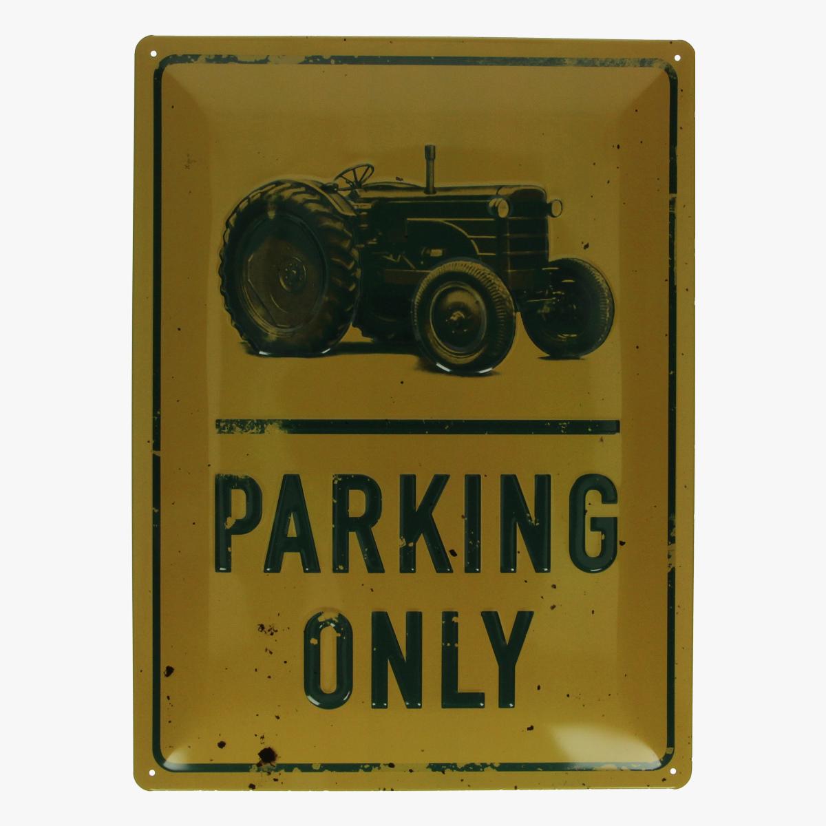 Afbeeldingen van blikken bord tractor parking only repro