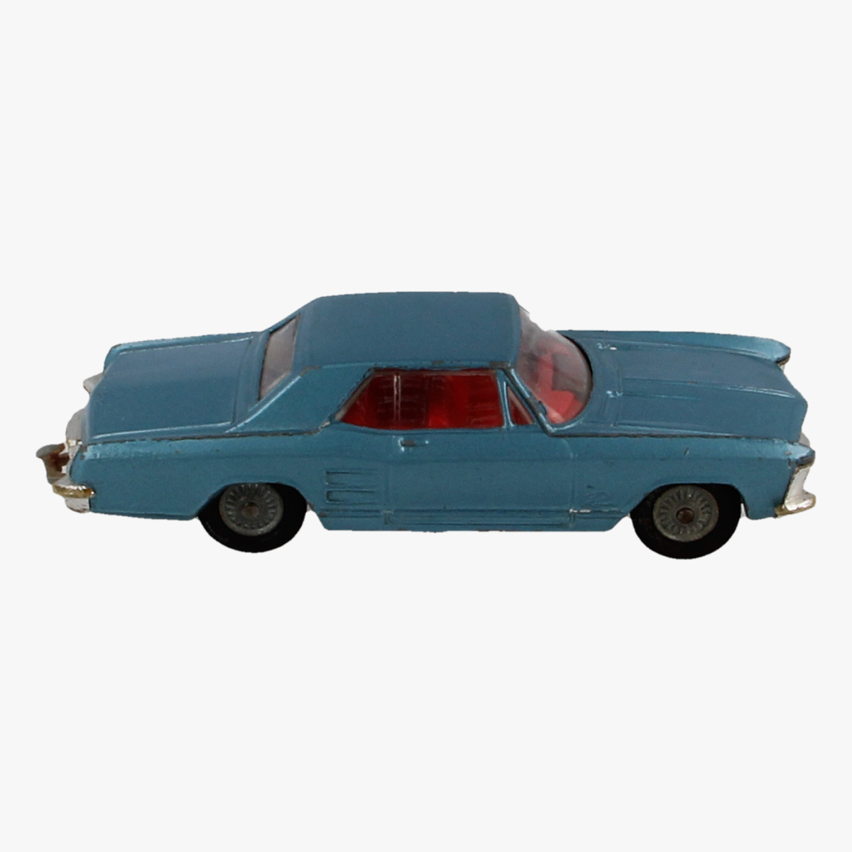 Afbeeldingen van Corgi Toys. Buick Riviera. Nr.245