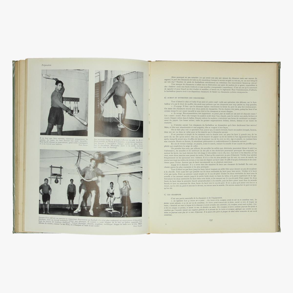Afbeeldingen van boek le footbal * encyclopédie des sports modernes 1953  r. kister et g.schmid