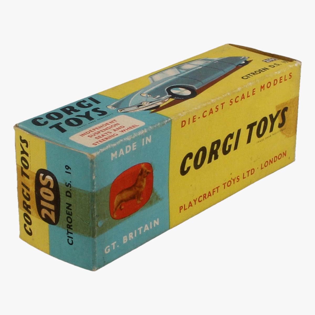 Afbeeldingen van Corgi Toys. Citroen D.S. 19. Nr 210s.